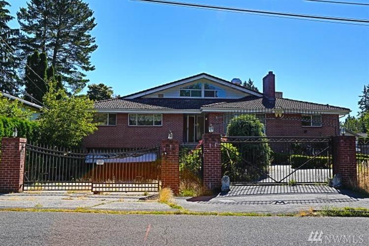 Single Family Home For Sale In Shoreline Wa