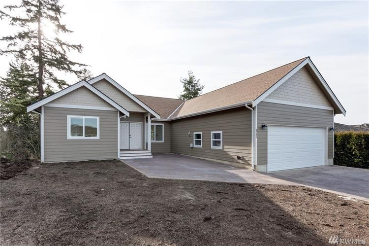 4735 S Golf Course Dr, Blaine, WA 98230