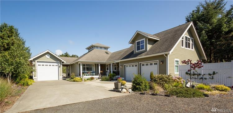 2609 S Bagpiper Lane, Westport, WA 98595