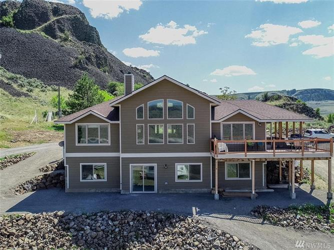 3352 Spring Canyon Rd, Grand Coulee, WA 99133