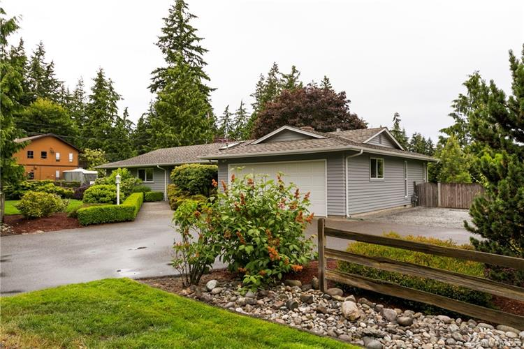 8133 184th St SW, Edmonds, WA 98026