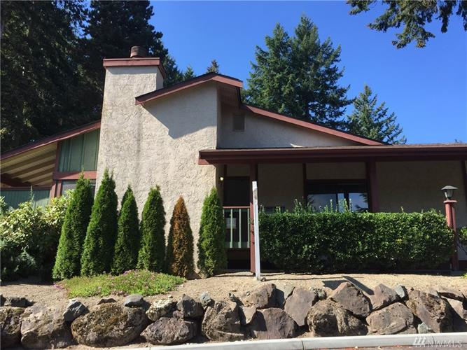 31701 SW 47th Lane SW, Federal Way, WA 98023