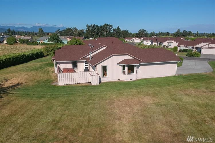 611 W Stratford Ct, Sequim, WA 98382