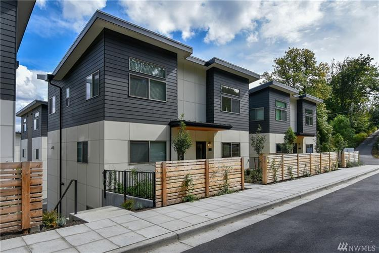 4210 S Greenbelt Station Dr, Seattle, WA 98118