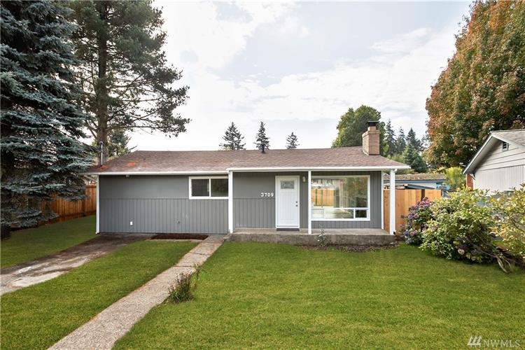 3709 NE 9th Ct, Renton, WA 98056