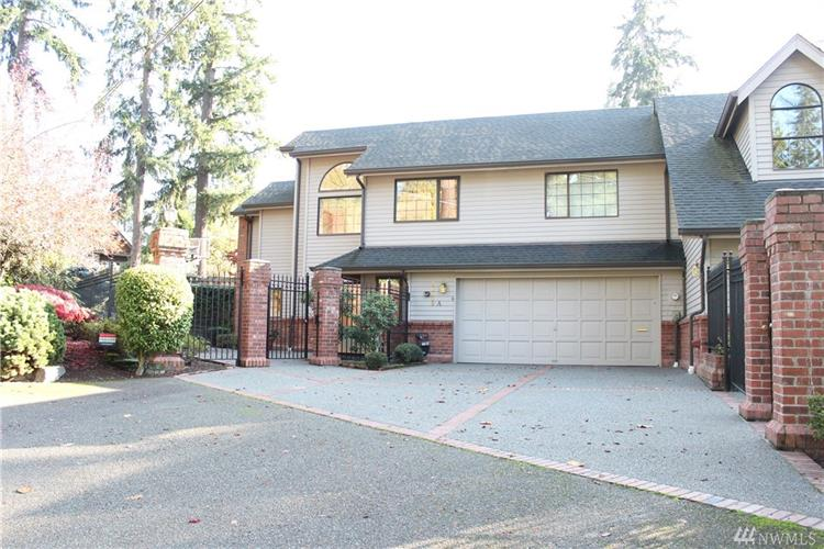 10609 SE 32nd St, Bellevue, WA 98004