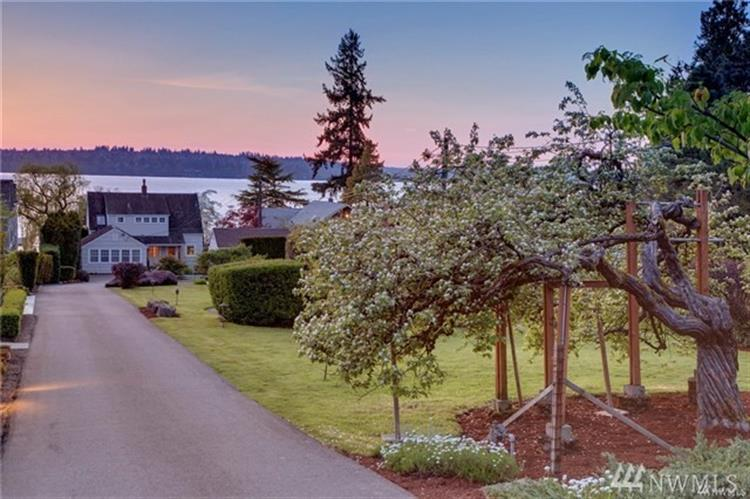 4427 91st Ave NE, Yarrow Point, WA 98004 - Image 1