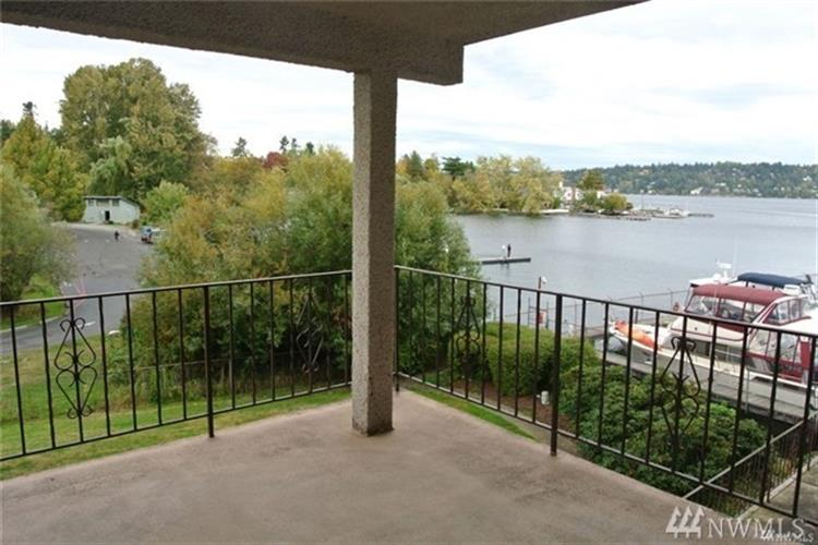 9030 Seward Park Ave S, Seattle, WA 98118 - Image 1