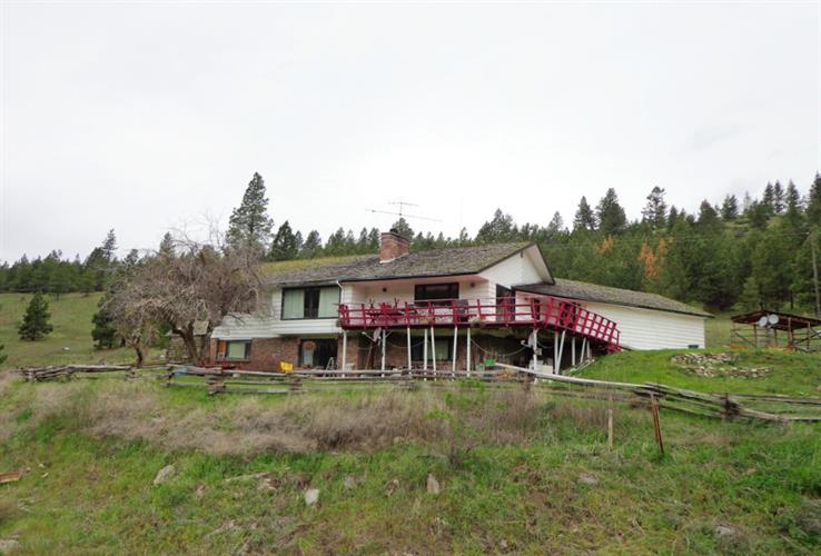 788 Old Kettle Falls Rd, Republic, WA 99166