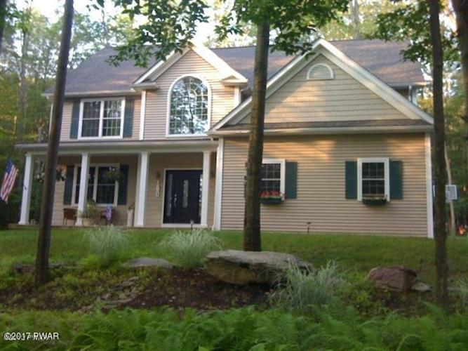 100 West Pine Lane, Greentown, PA 18426