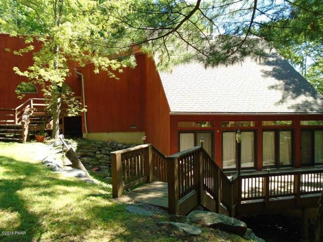 125 Achill Ln, Dingmans Ferry, PA 18328 - Image 1