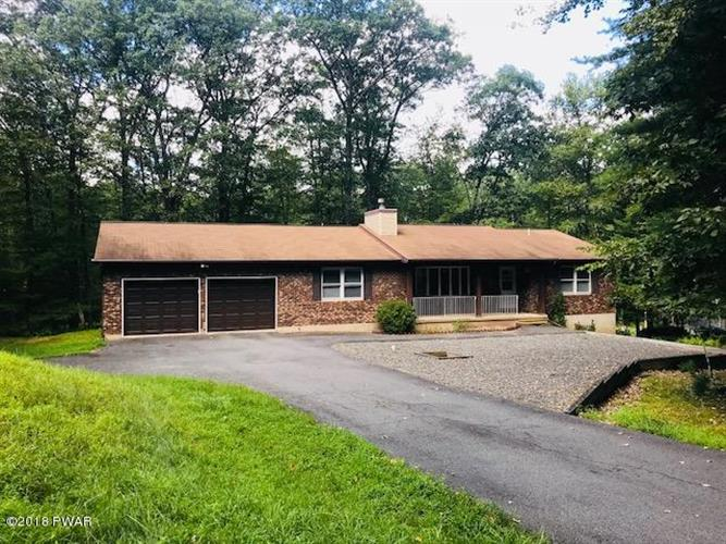 132 E Mulberry Dr, Milford, PA 18337