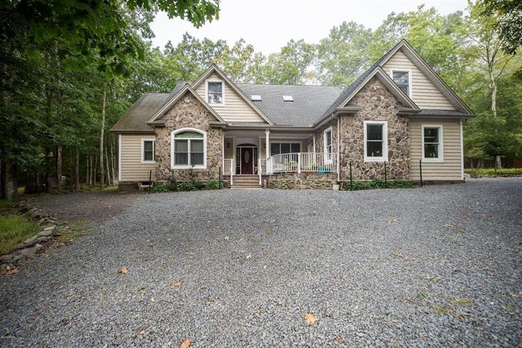 255 Upper Independence Dr, Lackawaxen, PA 18435 - Image 1