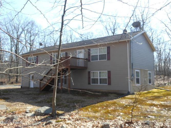 312 Mountain Top Dr, Dingmans Ferry, PA 18328