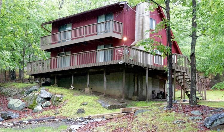 3160 Cherry Ridge Rd, Bushkill, PA 18324