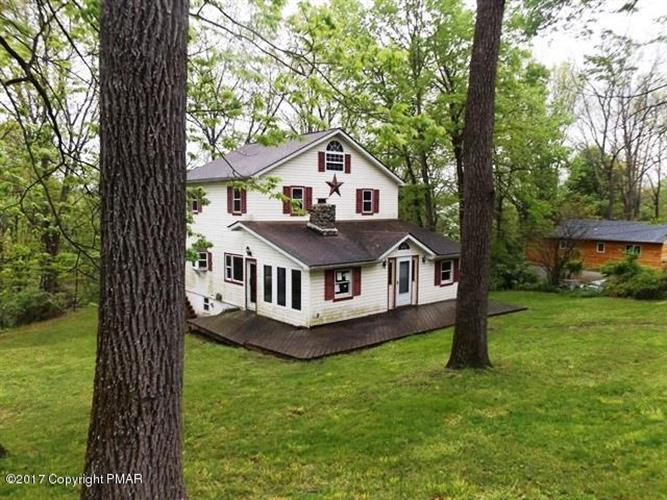 1697 River Rd, Mount Bethel, PA 18343