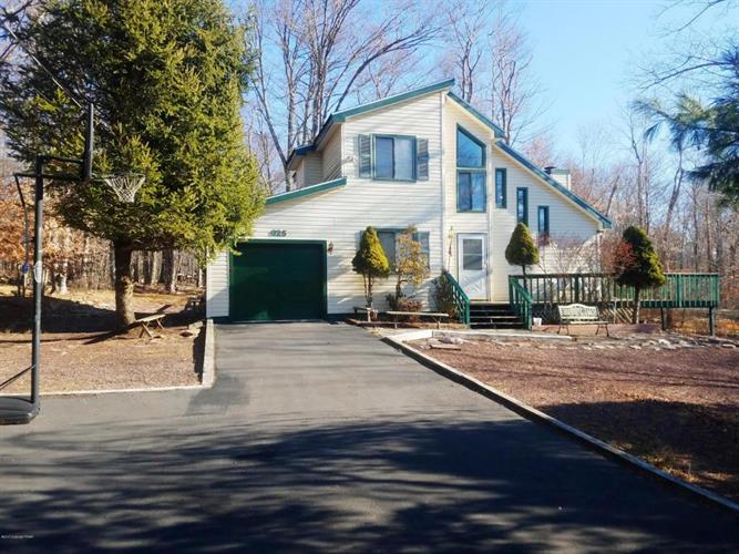 1155 COUNTRY PL, Tobyhanna, PA 18466