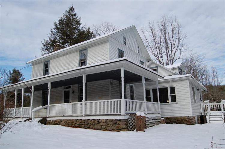 413 Lower Swiftwater Rd, Cresco, PA 18326