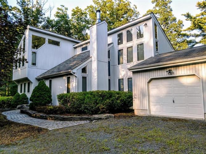 382 Lower Seese Hill Rd, Canadensis, PA 18325