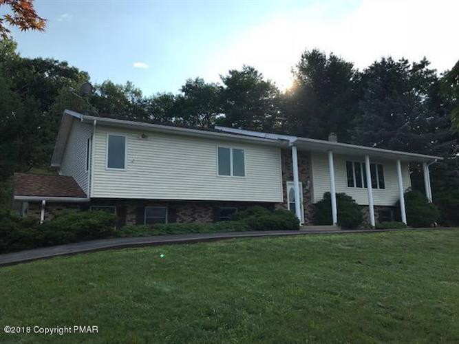 110 Saddle Ct, Stroudsburg, PA 18360