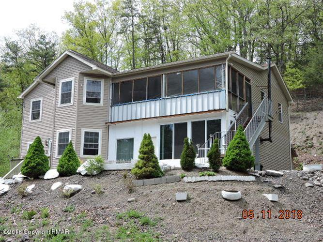 317 Lower Lakeview Dr, East Stroudsburg, PA 18302