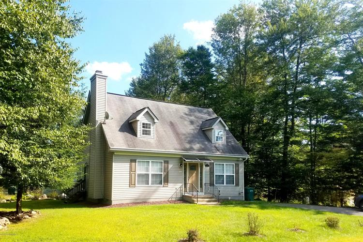 8480 Bumble Bee Way, Tobyhanna, PA 18466