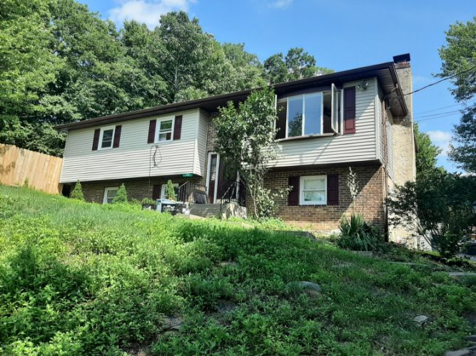 192 Faber Cir, Tannersville, PA 18372 - Image 1