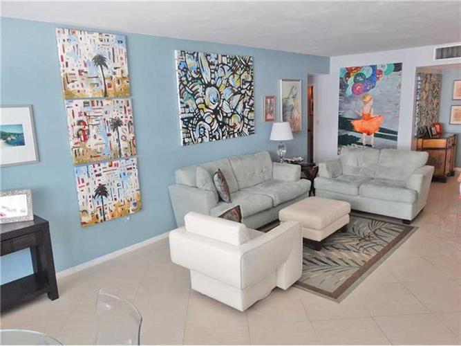 5825 Collins Ave # 2E, Miami Beach, FL 33140