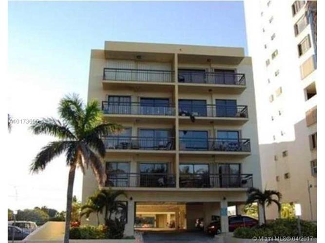 6444 COLLINS AV # 504, Miami Beach, FL 33141