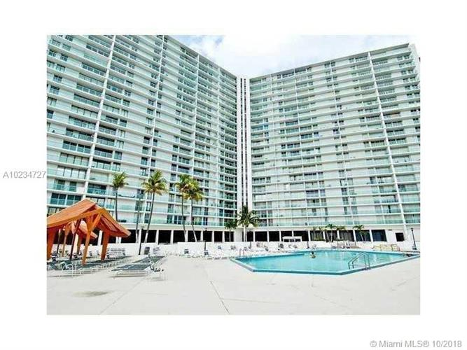100 Bayview Dr, Sunny Isles Beach, FL 33160 - Image 1