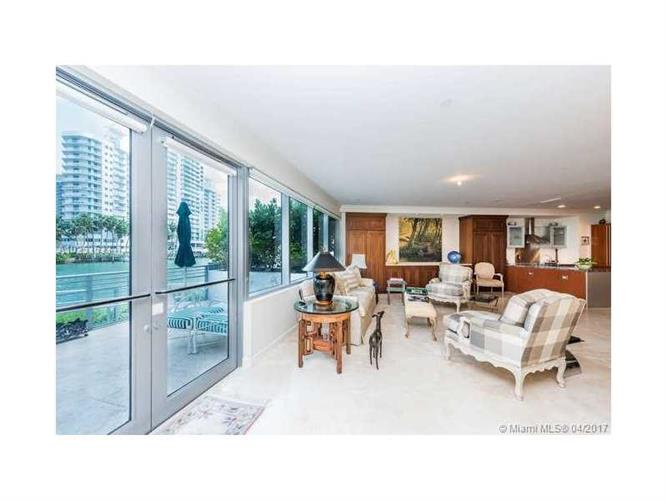 6101 Aqua Ave, Miami Beach, FL 33141