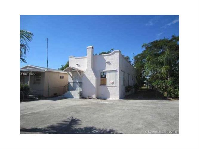 419 S E St, Lake Worth, FL 33460