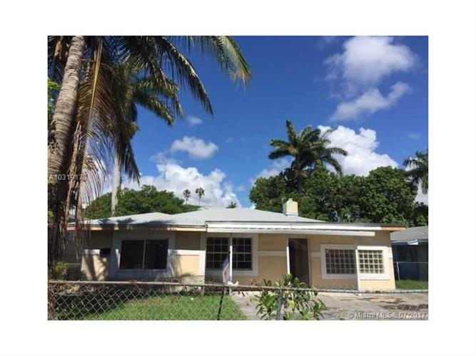 8240 Nw 1st Pl Miami Fl 33150 Mls A10319178