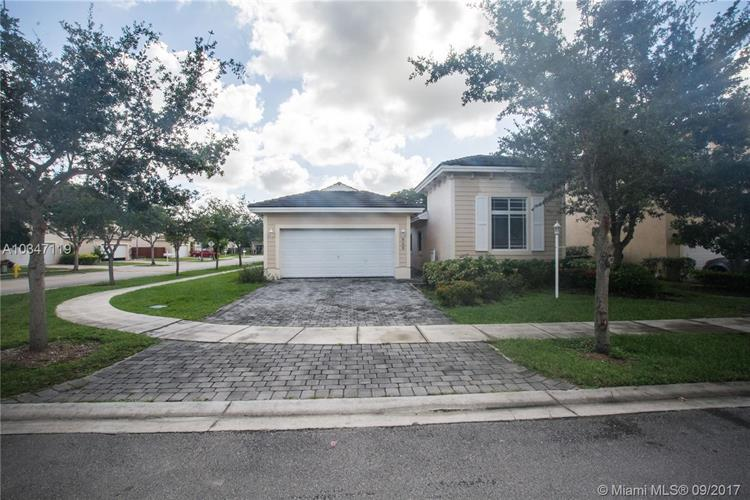 609 SE 30th Ter, Homestead, FL 33033