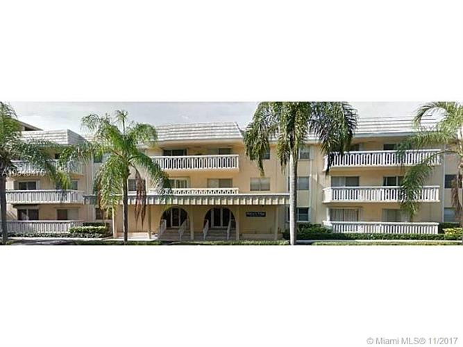 100 Edgewater Dr, Coral Gables, FL 33133
