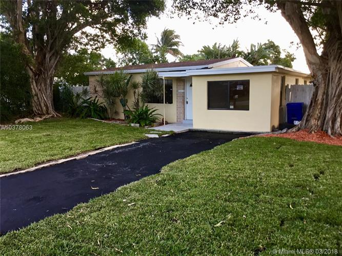 1416 NE 27th St, Pompano Beach, FL 33064