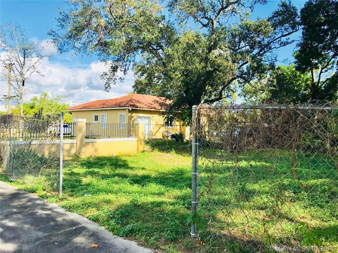 4351 NW 25th Ave, Miami, FL 33142