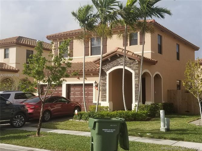 582 SE 34th Ave, Homestead, FL 33033