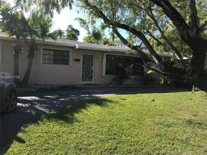 9298 SW 165th St, Palmetto Bay, FL 33157 - Image 1