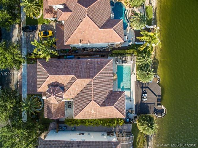 11220 NW 71 st, Doral, FL 33178