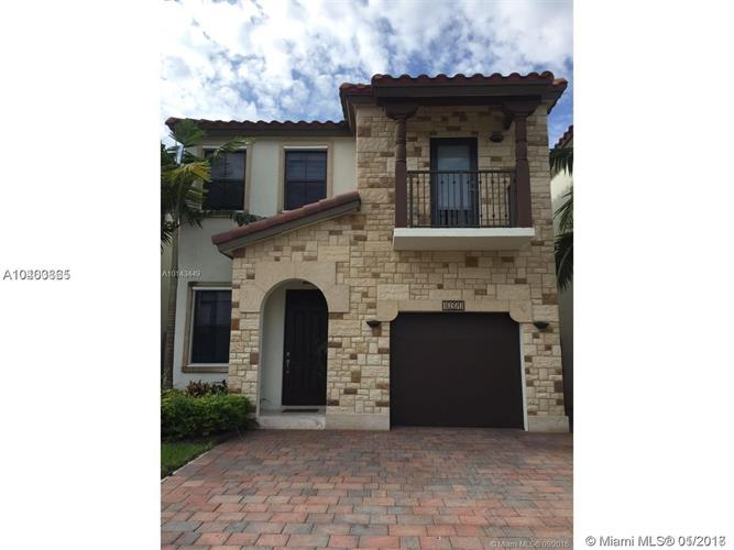 10320 NW 70th Ter, Doral, FL 33178