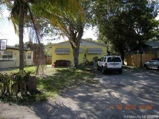 828 SW 13th Ct, Pompano Beach, FL 33060
