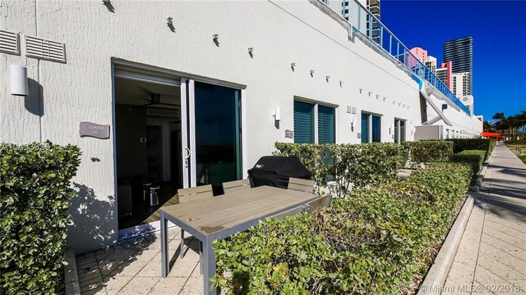 19111 Collins Ave, Sunny Isles Beach, FL 33160