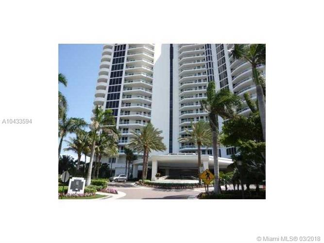 21200 Point Pl, Aventura, FL 33180
