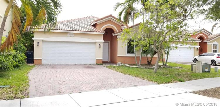 24666 SW 108th Pl, Homestead, FL 33032