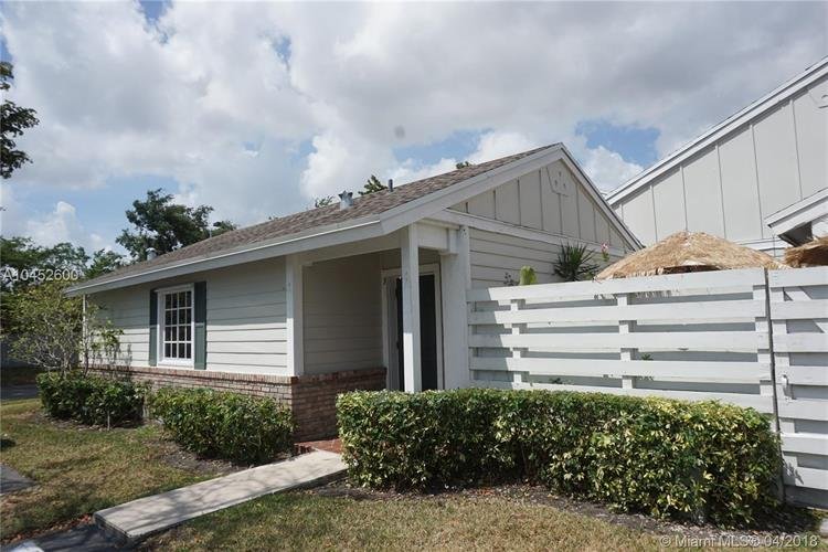 13784 SW 149th Cir Ln, Miami, FL 33186