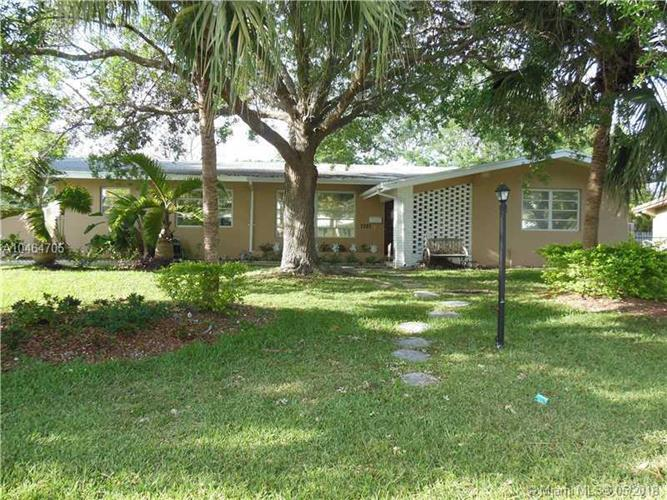 7331 SW 135th Ter, Pinecrest, FL 33156