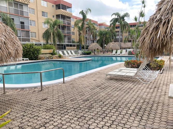 403 NW 68th Ave, Plantation, FL 33317