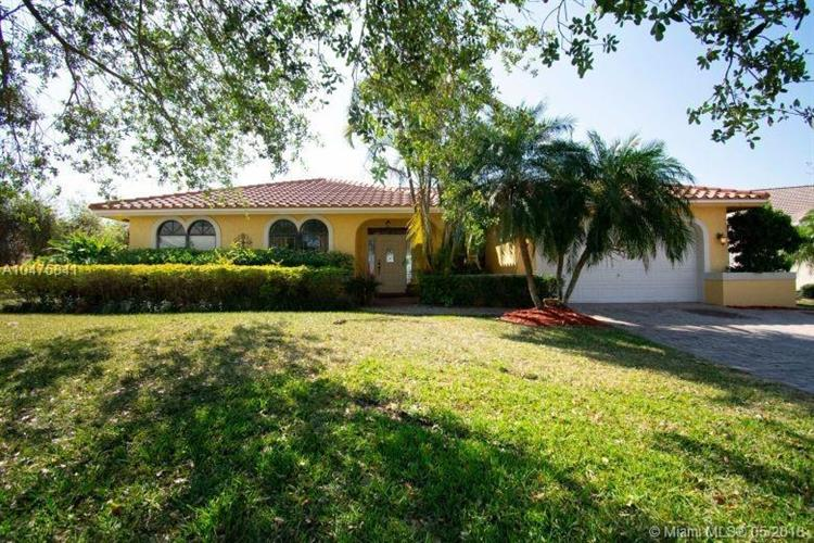 1560 NW 101st Way, Plantation, FL 33322