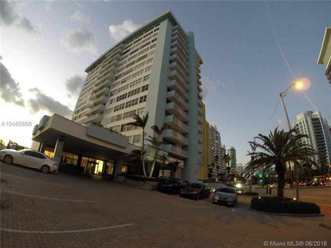 5838 Collins Ave, Miami Beach, FL 33140
